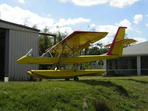 Air-Cam-2200-amphib-aircraft-floats